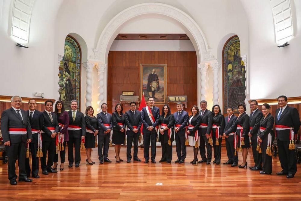 Martín Vizcarra y nuevos ministros de Estado