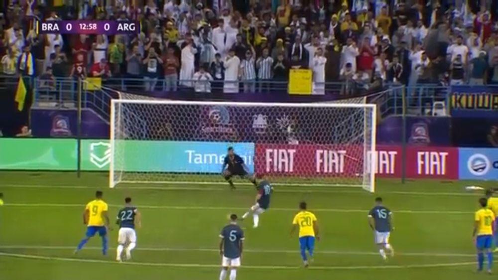 Argentina derrotó 1-0 a Brasil con gol de penal de Lionel Messi