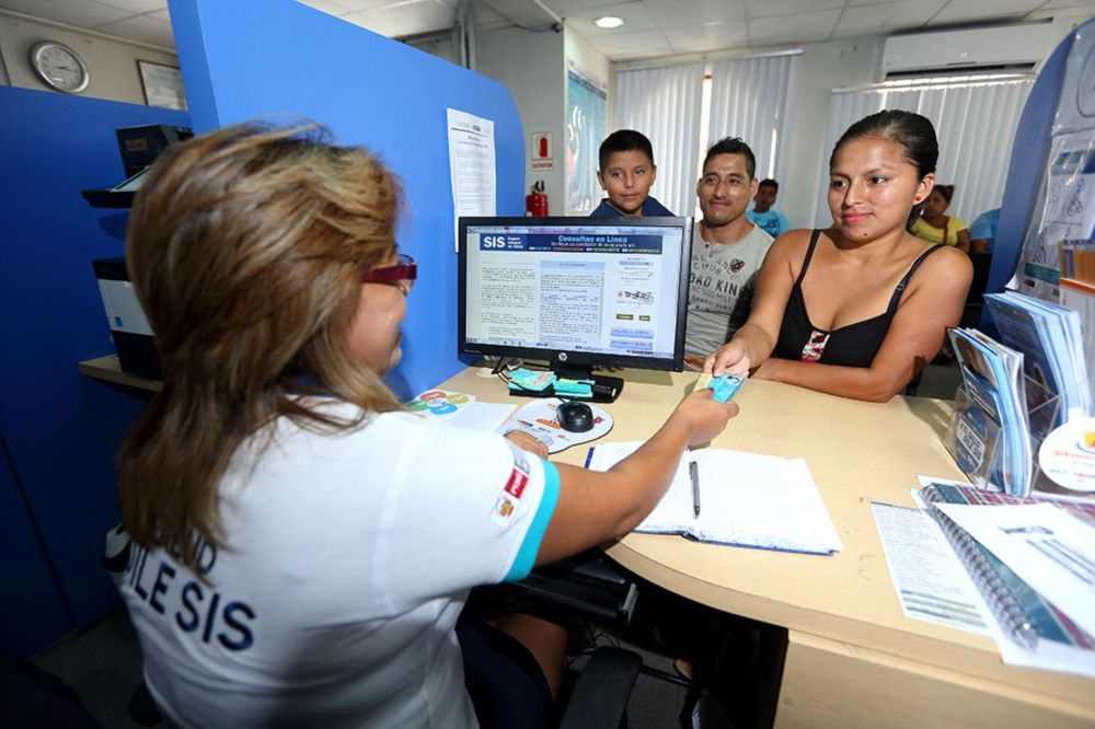 Todos los peruanos ahora podrán tener seguro de salud