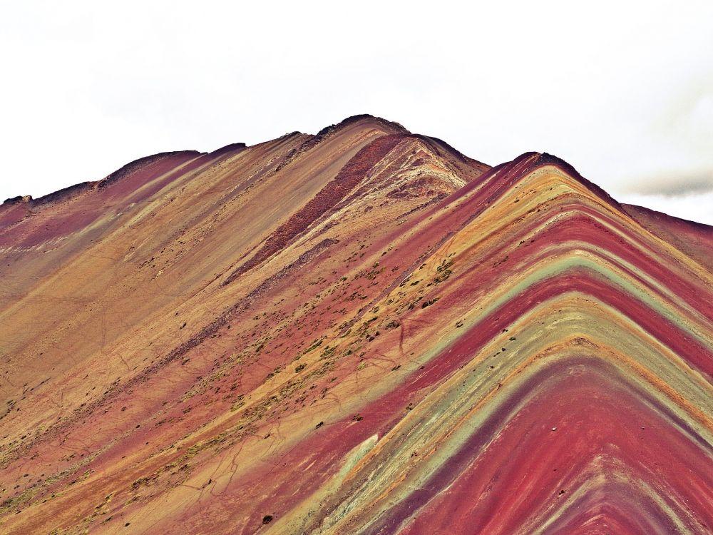Cusco: Ofrecen servicio de sobrevuelo en Vinicunca o Montaña de los Siete Colores