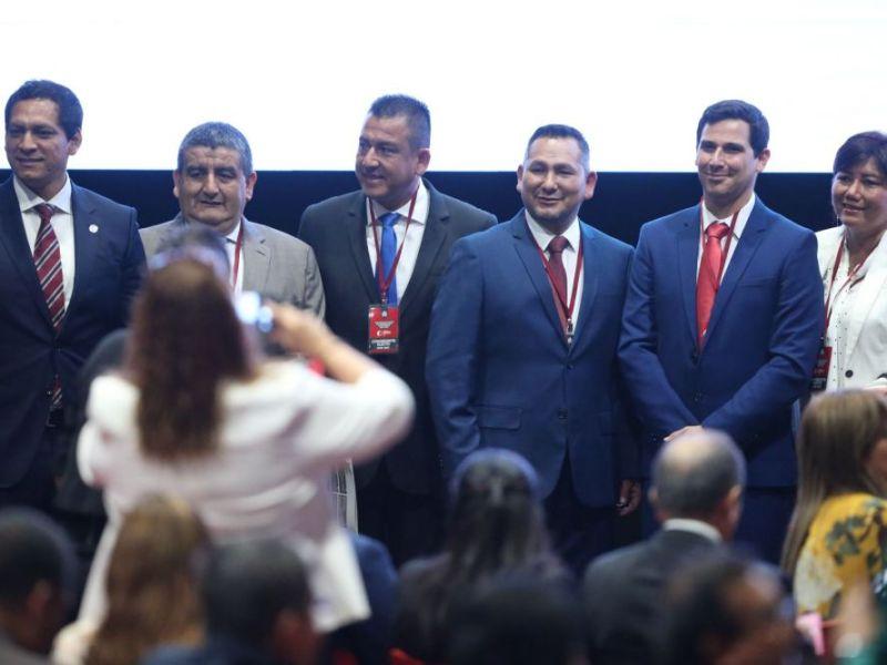 Nuevos congresistas recibieron credenciales del JNE y se proclamó resultados de elecciones