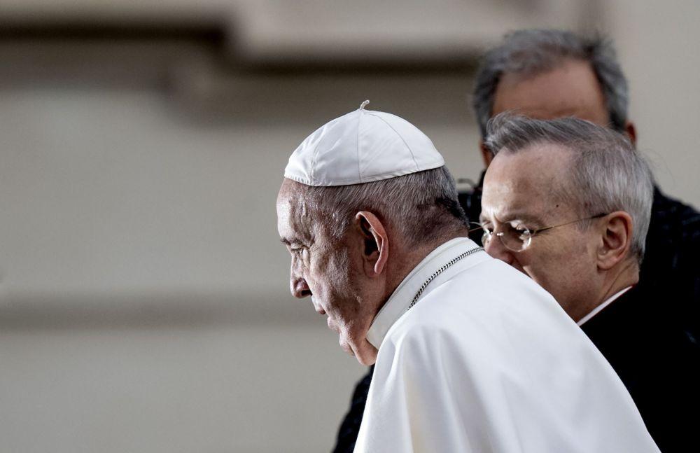 Papa Francisco enfermó tras emitir mensaje a víctimas del coronavirus
