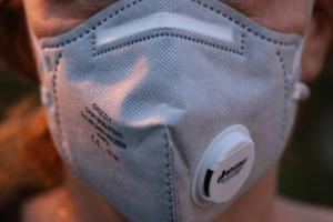 Minsa: Mascarillas con válvula no deben utilizarse en lugares públicos y el trabajo