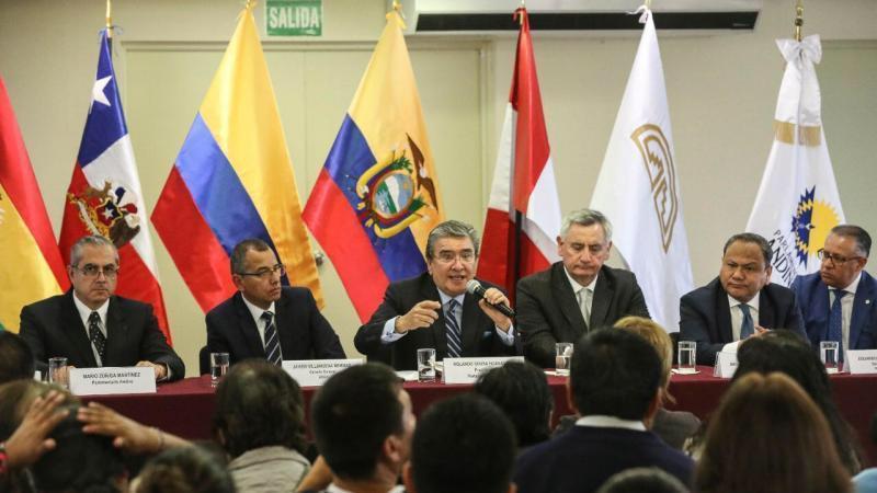 Parlamento Andino aprueba norma para interconexión eléctrica regional