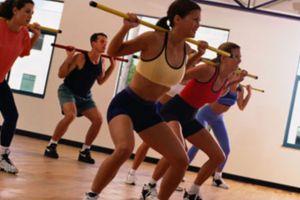 Aumentan lesiones por hacer ejercicios sin calentar o copiar rutinas de Internet