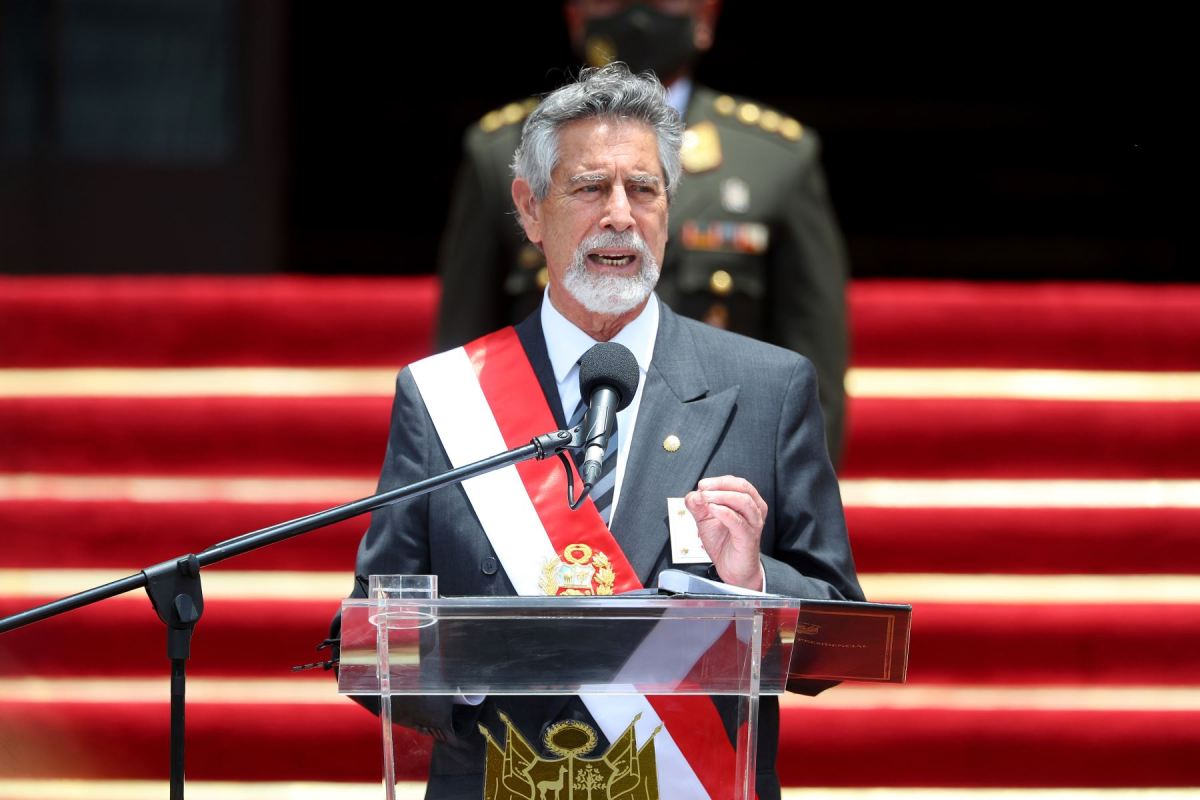 Francisco Sagasti en discurso