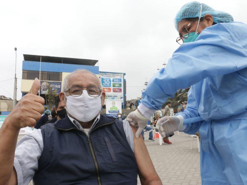 Vacunación de adultos mayores