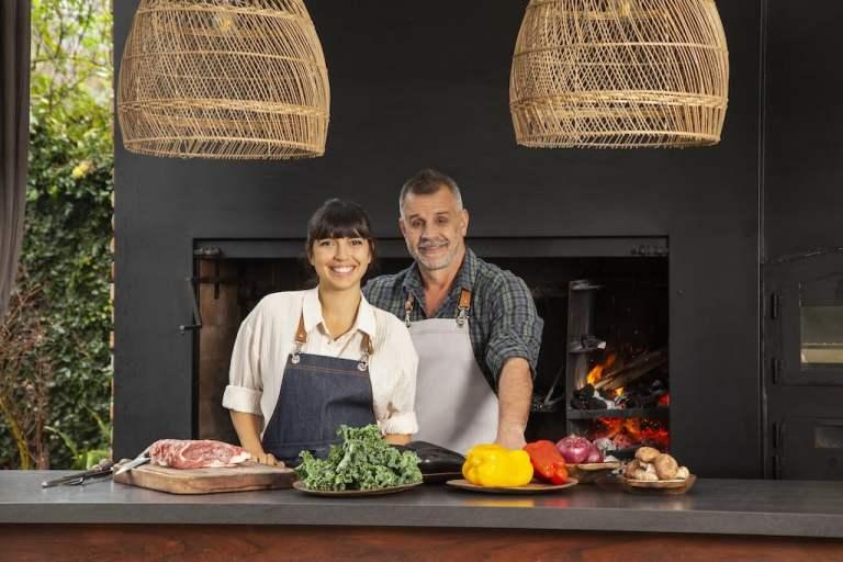 El Gourmet: Felicitas Pizarro y Christian Petersen encienden las brasas con nueva serie