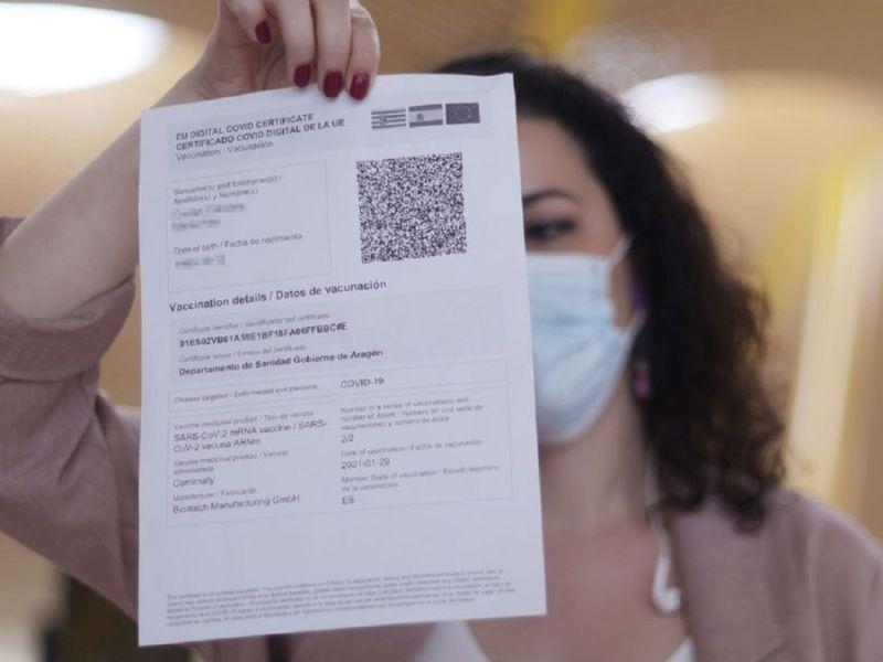 Perú evalúa pasaporte COVID o tarjeta verde