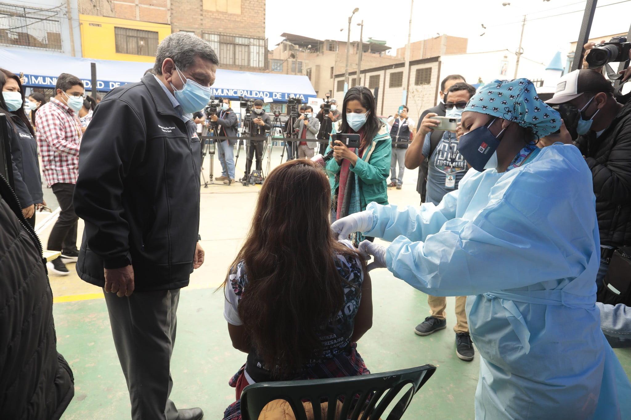 Vacunación a jóvenes de 18 a 20 años con AstraZeneca: Revisa aquí la programación y vacunatorios
