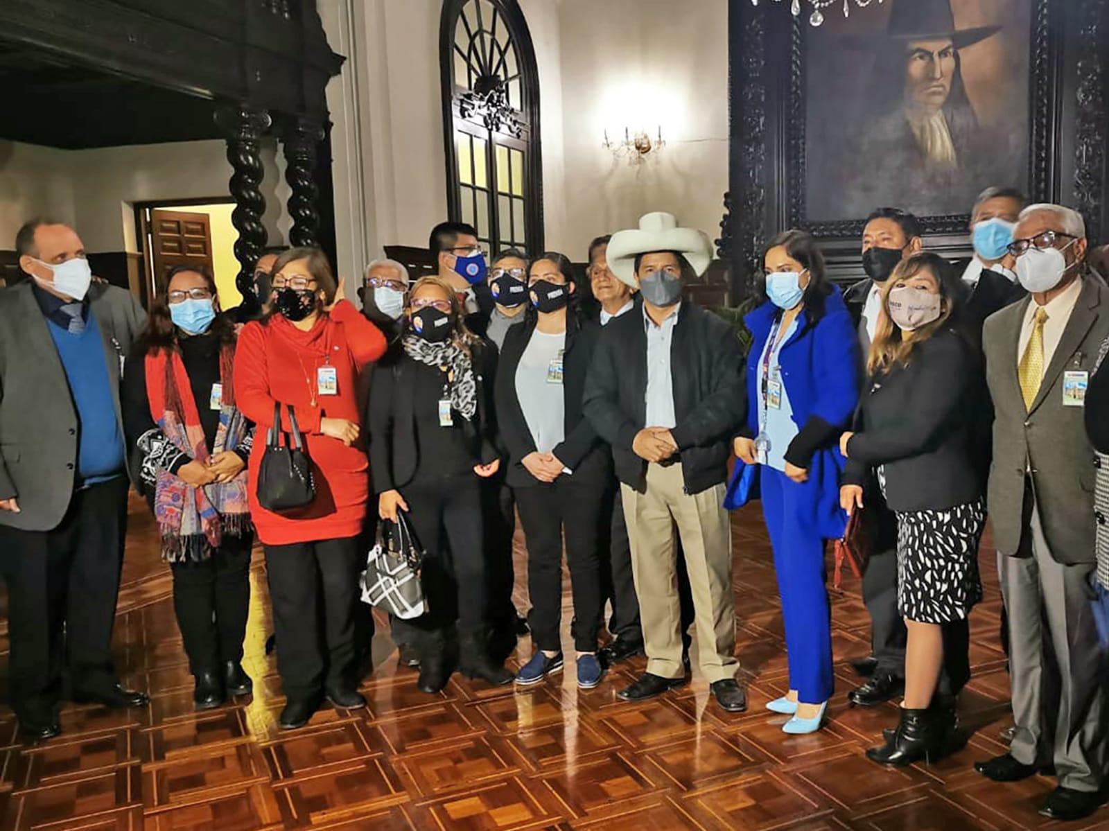 Presidente Castillo sostuvo una reunión con dirigentes de la Asociación Nacional de Periodistas