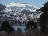 Montañas de Quinquén y lago Galletué, por Edith Romero