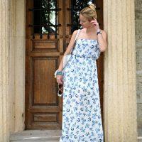 Caryatid in a porcelain dress