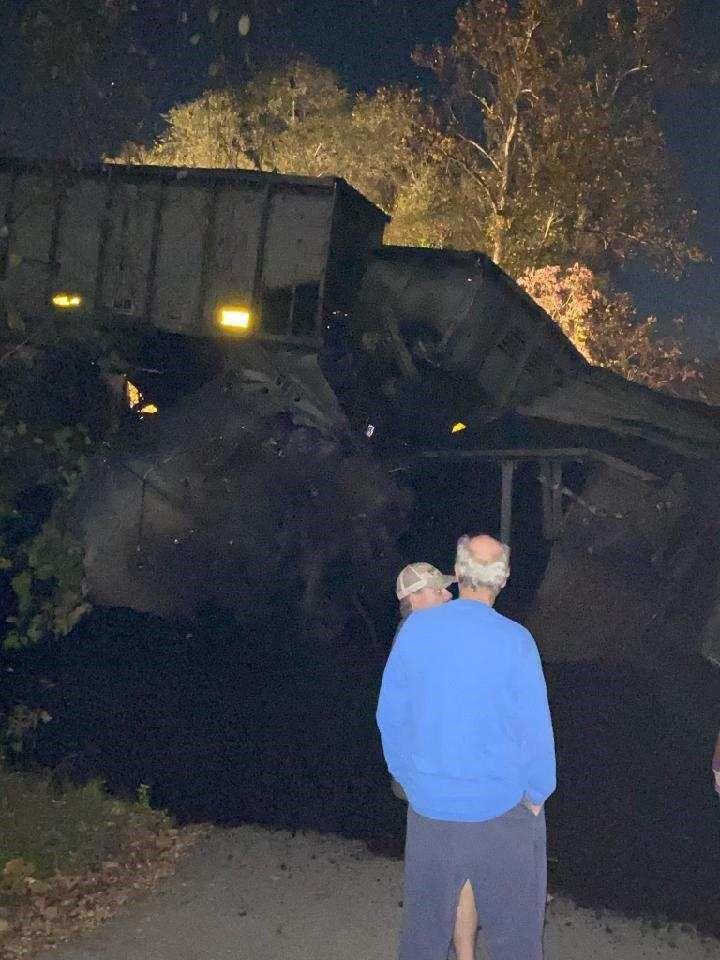 Norfolk Southern train derailment in Roanoke County. (Courtesy: Pamela Davis)