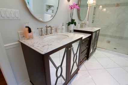 mirror-door-ensuite-2