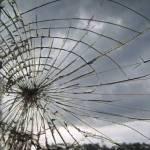 窓が割れた音がしたので行ってみたら…何事だよぉ😨