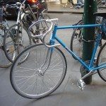 """「これはオシャレ!」一目でそれとわかる""""自転車止め""""が可愛すぎる"""