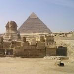 """「持って帰ったらアウトだわ…」エジプトで日本人お馴染みのアレを加工した""""危険すぎるお土産""""が目撃される😱"""