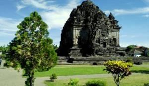 Candi Eksotis di Yogyakarta (Kalasan)