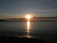 Πανέμορφο τοπίο από την κεντρική παραλία τής Σαρωνίδας