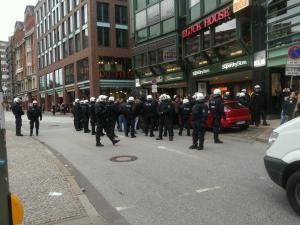 Cops kettled a group of protesters in Hamburg on October 19.