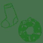 クリスマスリースと靴下の鉛筆手描きフリー素材