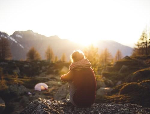 voyager seul solo avantage montagne bienfait vie