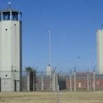 Cómo viven los niños en la cárcel: crecer mirando el sol a rayas