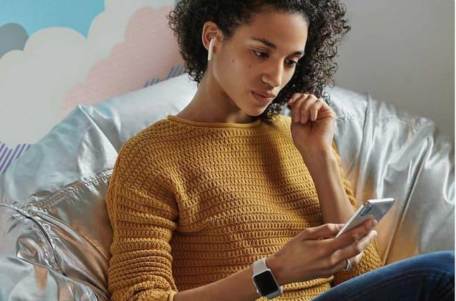 Cómo conectar los Apple AirPods al iPhone y al iPad