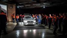 Factory Workers Get First Look at 2019 Volvo V60