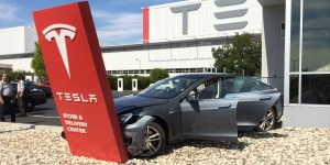 Buying a Salvage Tesla – What You Need to Know