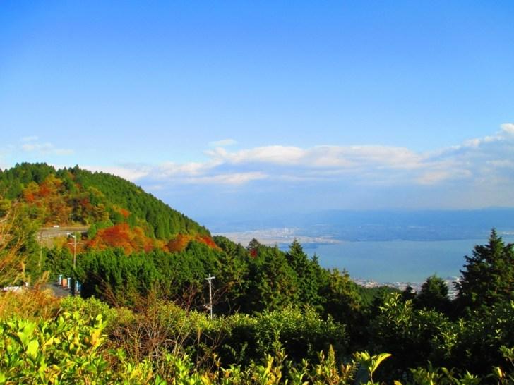 比叡山から秋の琵琶湖を眺める