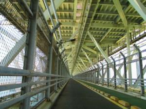 しまなみ海道 向島と因島を結ぶ橋は少々狭い