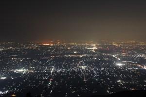 寝ながら見られる池田山の絶景夜景