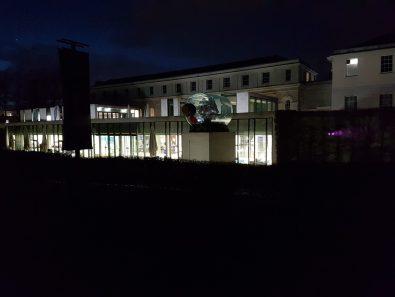 Scorci del museo marittimo visibili dal parco