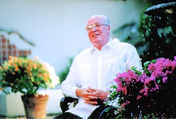Alberto J. Vollmer