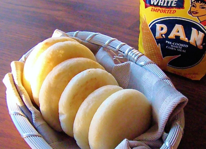 Traditional Venezuelan Arepas Recipe - SAVOIR FAIRE by enrilemoine