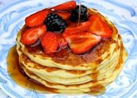 Buttermilk pancakes with berries - SAVOIR FAIRE by enrilemoine