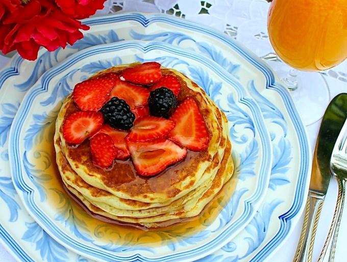 Buttermik pancakes with berries - SAVOIR FAIRE by enrilemoine