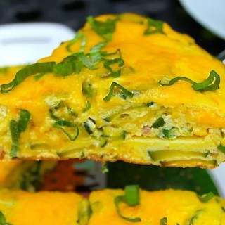 Cheesy Zucchini and Chorizo Frittata - SAVOIR FAIRE by enrilemoine