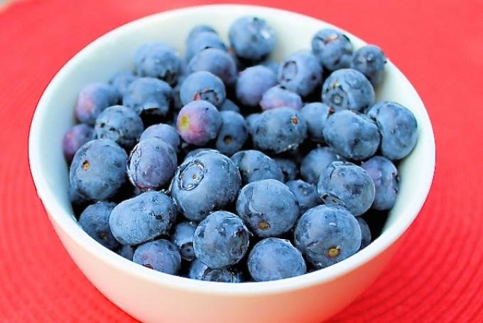 panquecas de arándanos, panquecas de arándamos, arándanos azules, blueberries, bol de arándanos, blueberry bowl