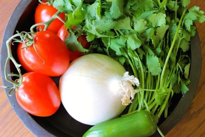 ingredientes para hacer pico de gallo