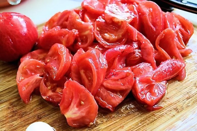 tomatoes to make Pasta salad with raw filetto di pomodoro - SAVOIR FAIRE by enrilemoine