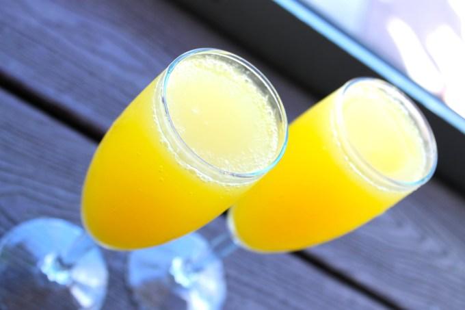 mimosas, brunch en dolores lolita