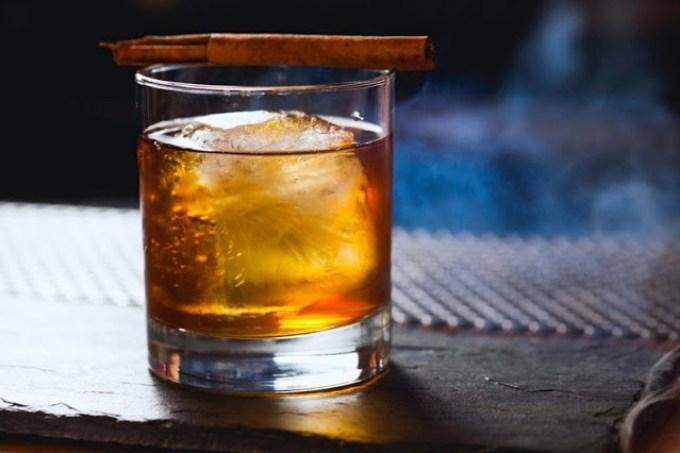 Extravagancia de coco, coctel de tequila