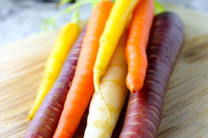 Zanahorias asadas con tomillo, zanahorias multicolores,