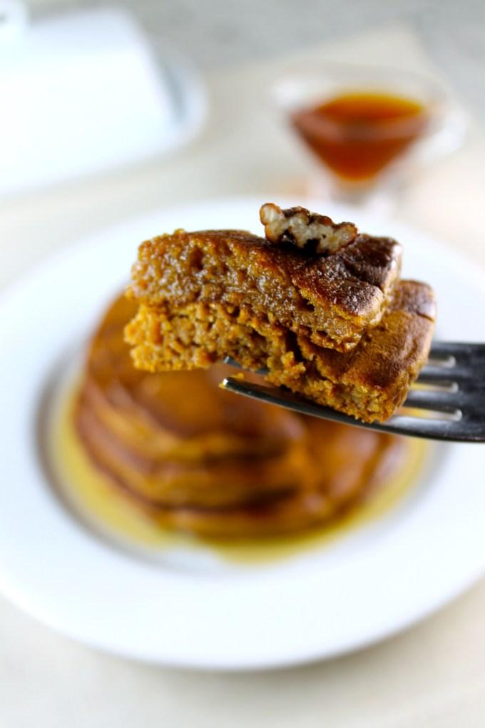 Panquecas de batata con pecanas escarchadas - SAVOIR FAIRE by enrilemoine