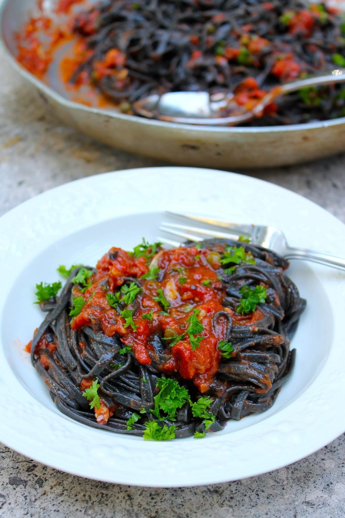Black Linguini alla puttanesca - SAVOIR FAIRE by enrilemoine