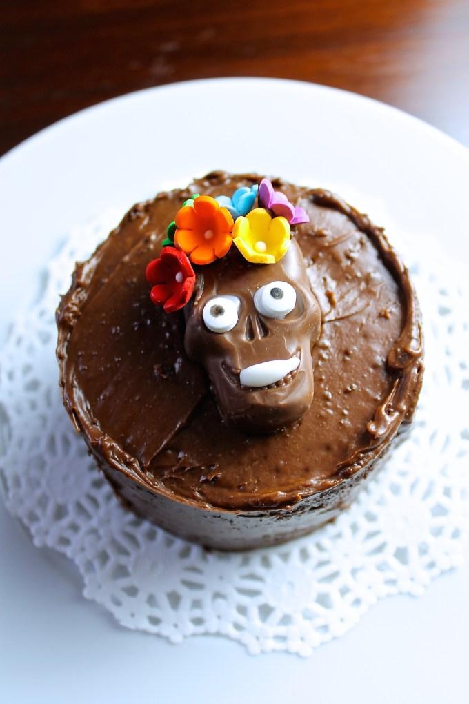 mini pasteles de chocolate para el día de muertos