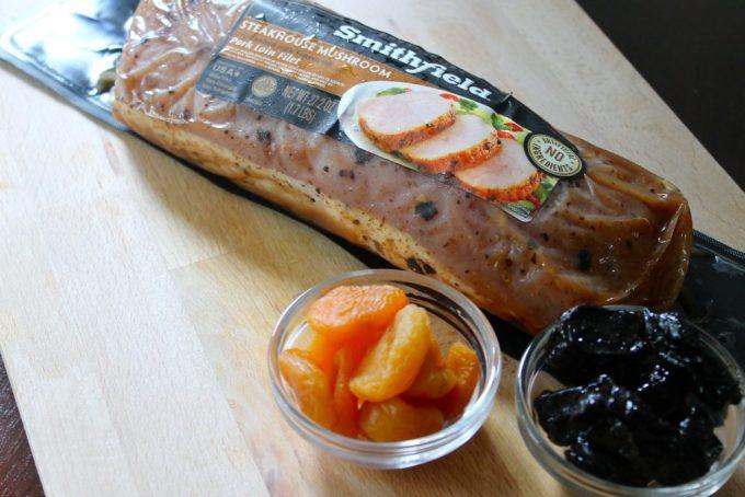 ingredientes para lomo de cerdo relleno con ciruelas y duraznos